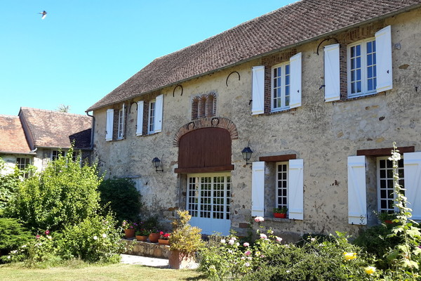 SOUS PROMESSE - Maison 9 pièces à Villecerf (77250)
