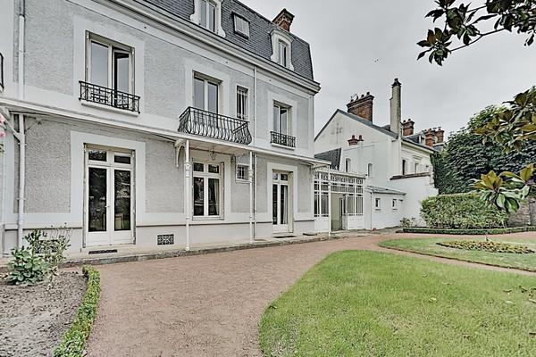 Maison 10 pièces à Fontainebleau (77300)